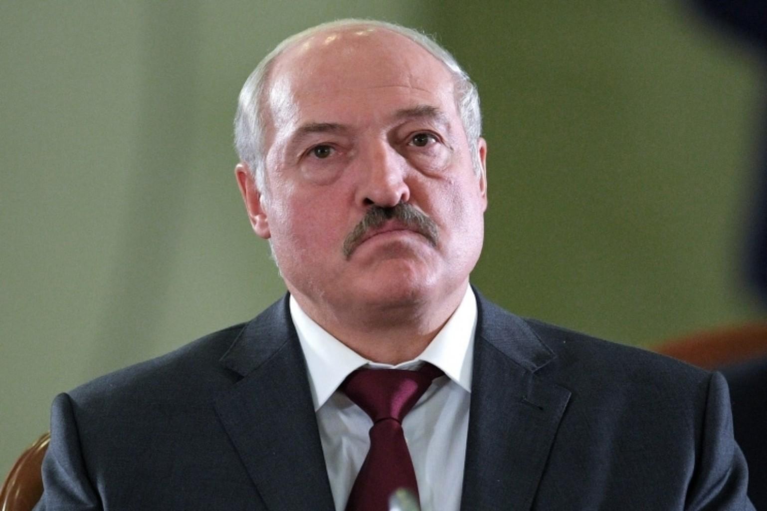Лукашенко поломал сценарий, не предупредив окружение. Кремль торопит?